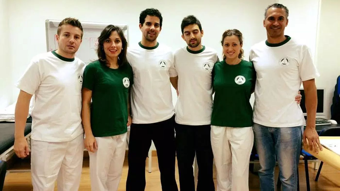 Monitorizando a alumnos portugueses en la clínica escuela