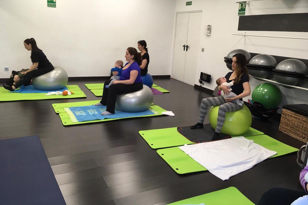 pilates con bebes mamas valdemoro
